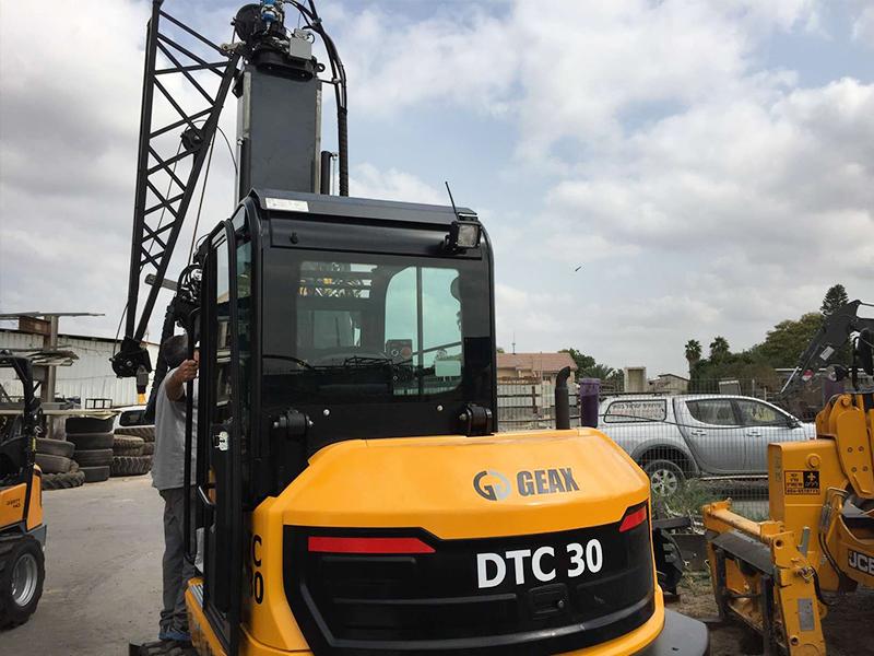 מכונת מיני קידוח DTC30